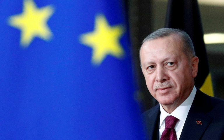 FILE PHOTO: Turkish President Tayyip Erdogan arrives for a meeting with EU Council President Charles Michel in Brussels, Belgium March 9, 2020. REUTERS/Francois Lenoir/File Photo/File Photo
