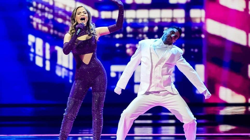 eurovision-giorti-xana-sto-stadio-poy-egine-nosokomeio1