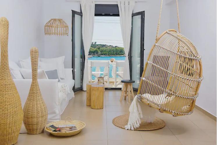 business-insider-ayta-einai-ta-15-kalytera-airbnb-stin-ellada4
