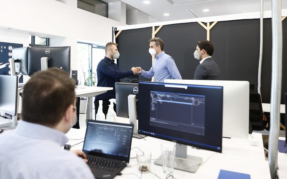 k-mitsotakis-stin-teamviewer-i-ellada-stin-proti-grammi-tis-technologikis-epanastasis1