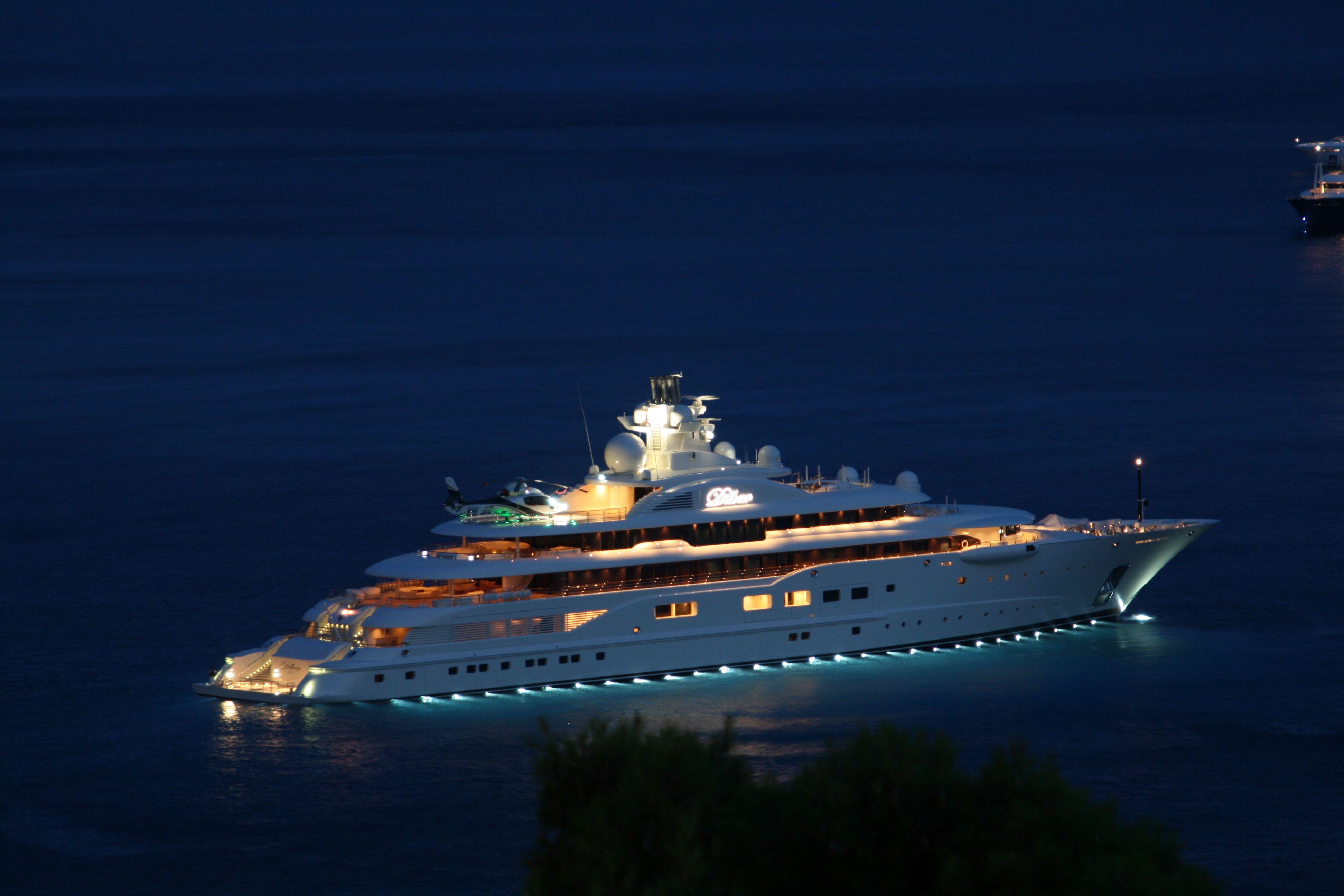 i-ellada-protos-proorismos-gia-super-yachts-se-olo-ton-kosmo0