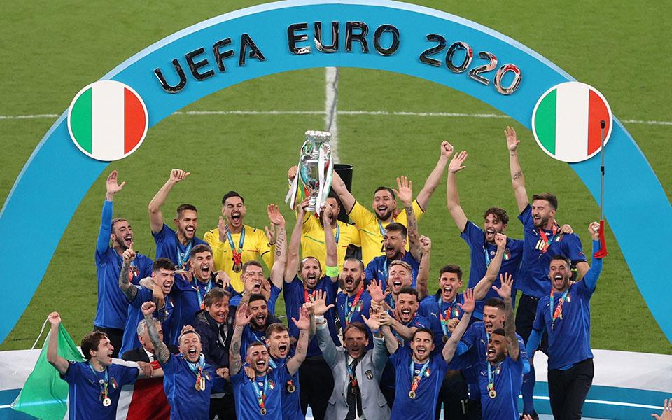 euro-2020-i-italia-einai-protathlitria-eyropis0