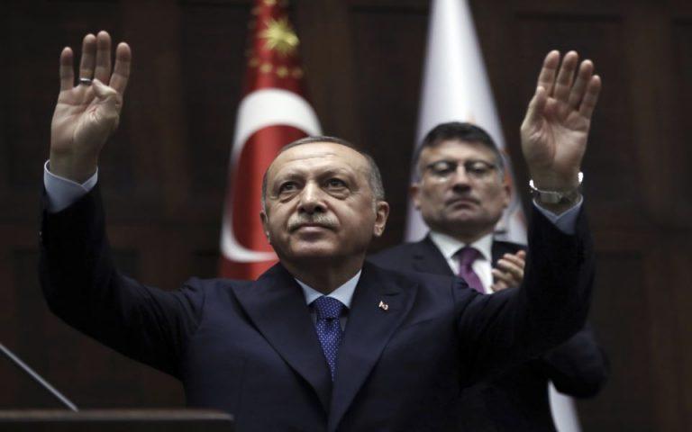 Burhan Ozbilici/Associated Press